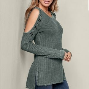 VENUS Tops - Venus Cold Shoulder Detail Waffle Top